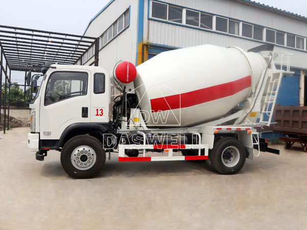 DW 4 small concrete mixer
