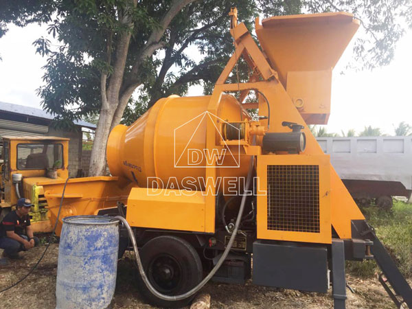 HBT40 small concrete pumping machine in Daswell